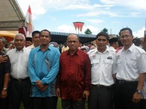 Ketua Pengarah KEMAS MALAYSIA Baju Biru
